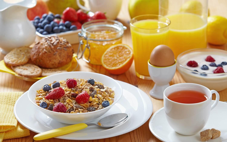 Pequeno-almoço de beleza. O que comer de manhã, para ficar bonita?
