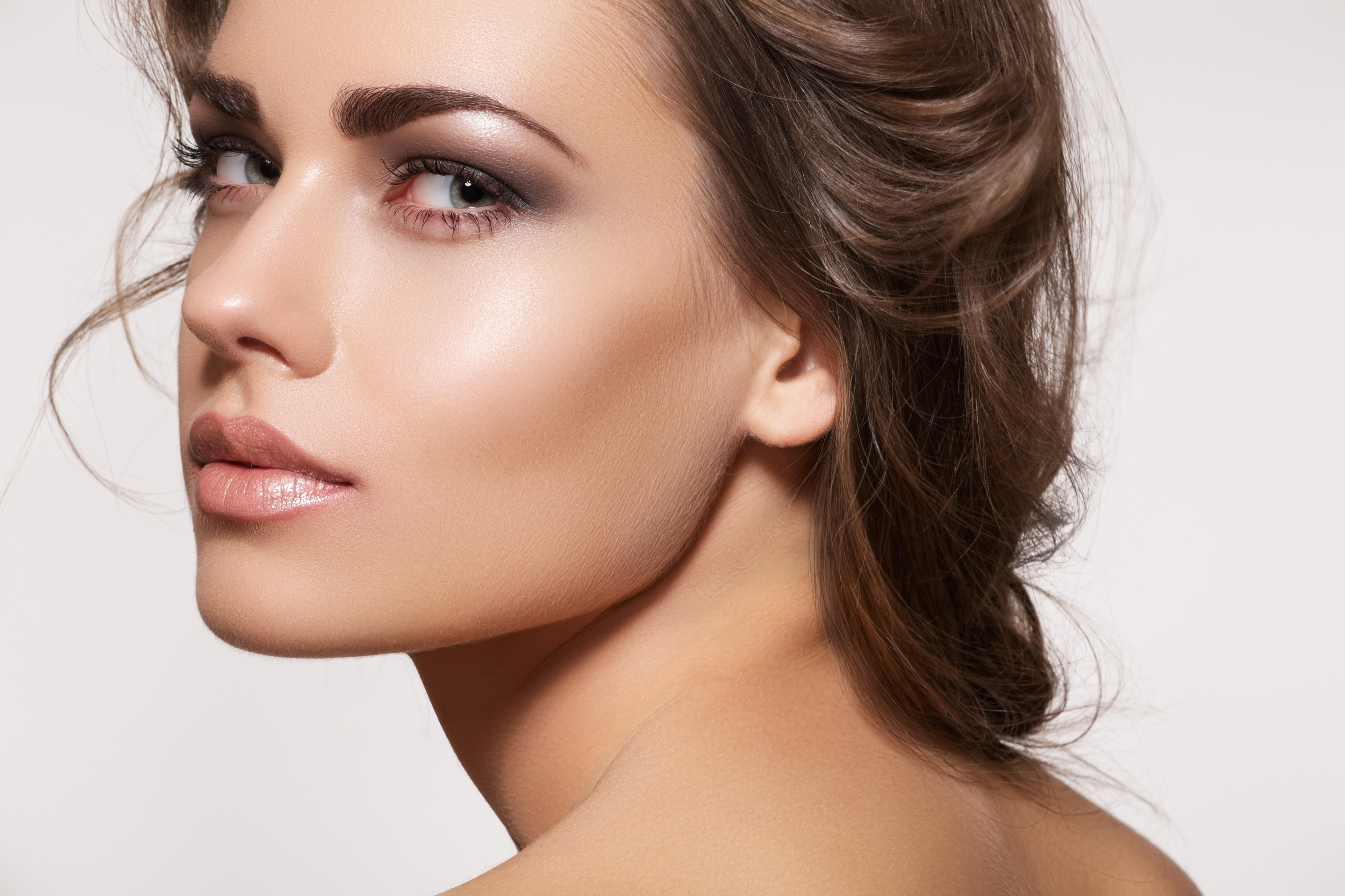Pode combinar um batom nude com a tez da sua pele?